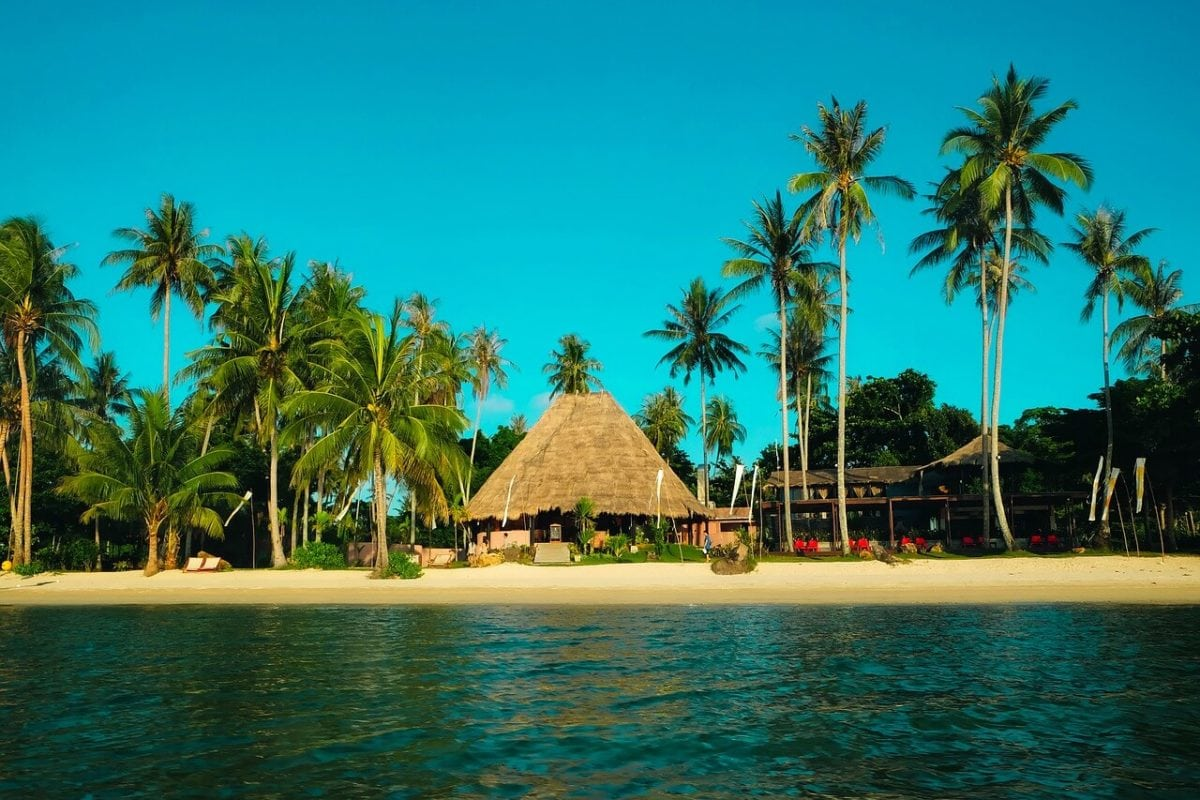 maison au bord du plage durant notre circuit en Thaïlande