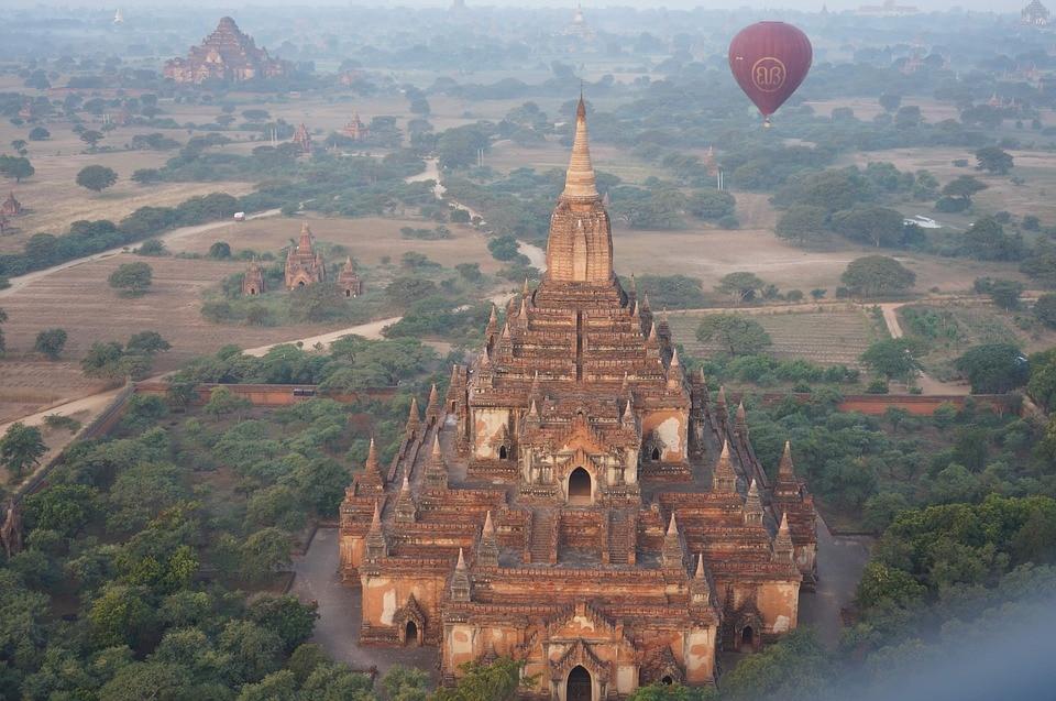Bagan vue du ciel durant notre voyage en Birmanie