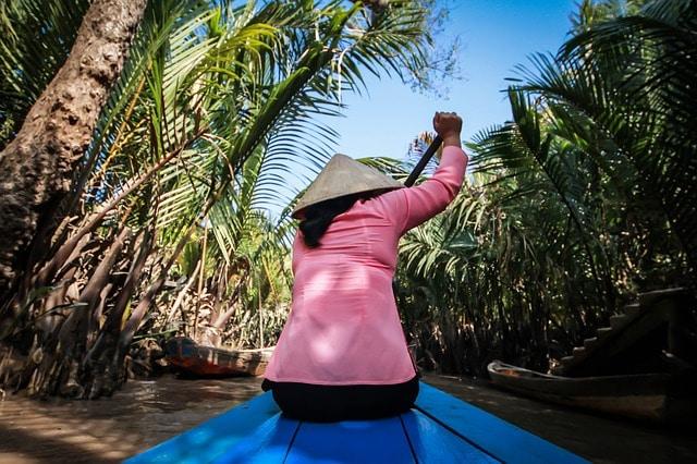 Femme pecheur au Vietnam