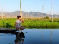 Un pecheur sur le Lac Inle en Birmanie